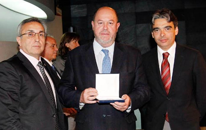 WKF President receives the Olympic Order